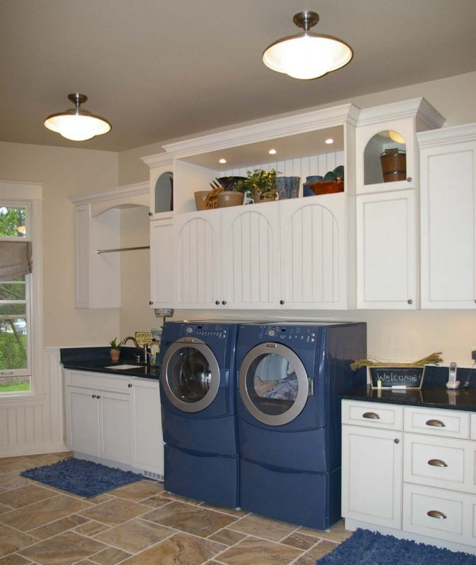 Raised washer & dryer